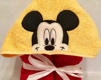 Mickey Hooded Towel