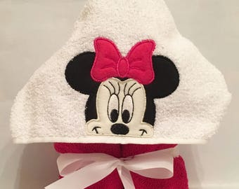 Minnie Mouse Hooded Towel