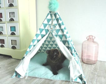 Pet teepee. Including soft cushion. Turquoise/white.