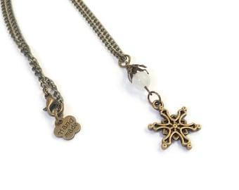 """Collier ras de cou rétro flocon bronze et perle de jade teintée, """"Winterflake"""""""
