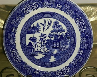 """Blue Willow 9"""" Plate by Homer Laughlin"""