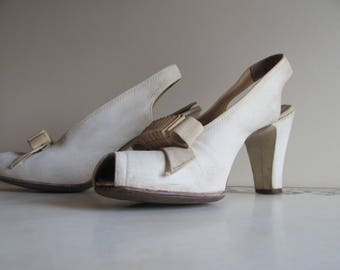 Size 7 1/2 Arnold Constable 1940's suede/lambskin slingbacks