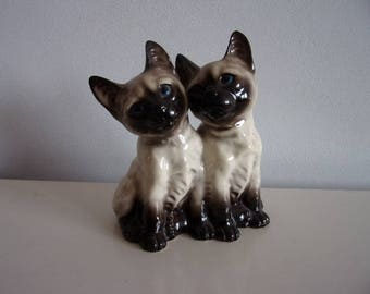 Vaga International ceramics / Siamese cats  - 1970's