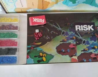 The Game of Risk vintage board game. 1975/1980. Includes instructions.