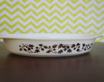 Vintage Pyrex Divided Casserole  Gold Leaf Acorn 1 1/2 Quart
