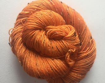 Pumpkin – Full Skein on Mutini Tweed – 438yds/100g – 85/15 SW Merino/NEP