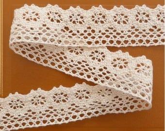 2 metres of lace, Ribbon, 3 cm ivory 4000 vintage cotton.