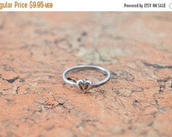 HUGE Sale Delicate Heart Ring Size 5.75 Sterling Silver 1g Vintage Estate