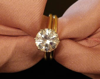 Beautiful 2.5 Carat CZ Solitaire Engagement and Wedding Ring in 14 K Gold size 7