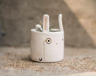 Bunny Monomal (Bunny planter, animal planter, monocle planter, rabbit planter, cute pot, air plant)