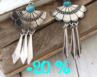 SUMMER SALE / / / Aztec spirit in silver and turquoise earrings / / / ethnic tribal boho chic