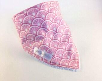 Bandana bib - pink grapefruit