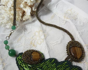 Tiger's eye and jade. Necklace, earrings and wristban. em