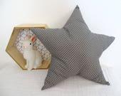 Coussin étoile gris a pois blancs (Taile M) RESERVE