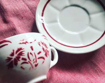 Cup coffee Lunéville white and red. 1920's earthenware. Floral pattern. antique french. Art Deco