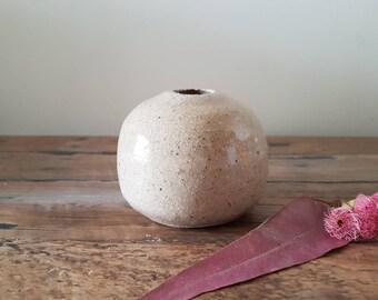 Speckled sands bud vase