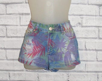 Size 8 vintage 80s style distressed rip/frayed hotpant shorts floral print denim