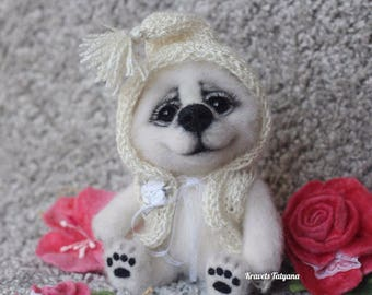 Needle felted little teddy bear, Felted bear, needle felted animals, felt toy, felting, felt teddy bear, polar bear, home decor, cute gift
