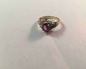 Nice estate fresh 10kt. yellow gold ladies ring with stones.