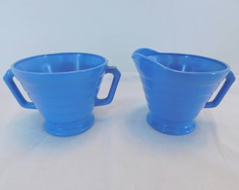 Hazel Atlas Moderntone Platonite Cream and Sugar Set in Periwinkle Blue vintage 1940s SHIPPING INCLUDED