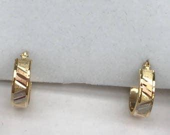 Tri-color solid gold earring hoop in 14k