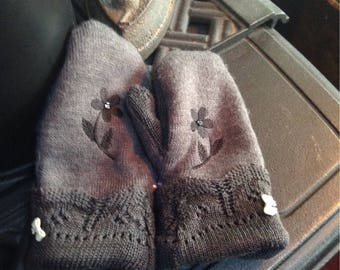 Girls sweater mittens