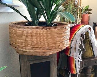 Vintage wicker basket/bowl