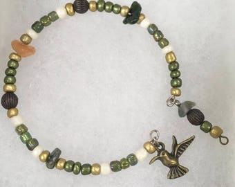 Vintage Dragonfly Naturals Memory Wire Beaded Bracelet w/  Hummingbird Charm