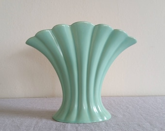 Catalina C-310 Seafoam Fan Vase, Vintage Catalina Pottery Vase, 1937-1942 Gladding McBean, Vintage Catalina Shell Pattern Seafoam Green