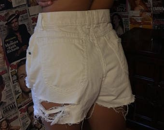 WHITE Distressed high waisted jean shorts