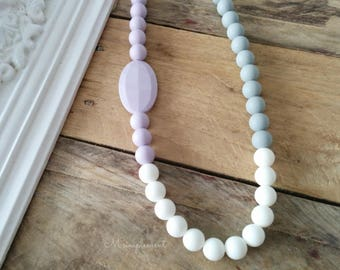 Teething necklace. Soft lilac.