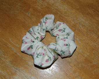 Hair ruffle / scrunchie with roses flowers
