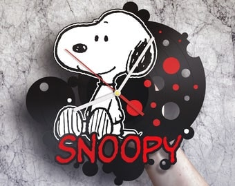 Snoopy gift, Unique wall clock, Snoopy wall art, Snoopy nursery art, Snoopy birthday party, Snoopy baby shower, Snoopy nursery, Snoopy clock
