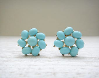 Vintage Signed Crown Trifari Flower Earrings Turquoise Blue Lucite Cabochons Clip On Earrings Turquoise blue Gold Tone