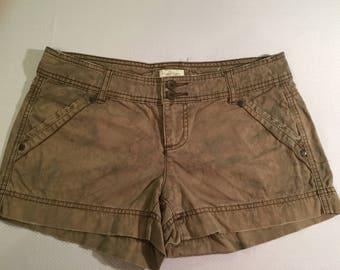 MAURICES  Womens/Misses 100% Cotton, Khaki Mini Short-Shorts, Size 5/6