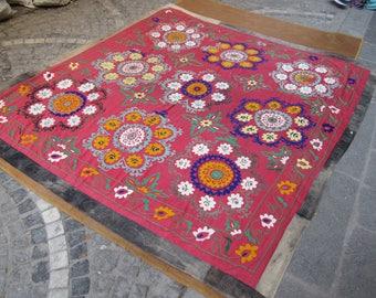 Red Suzani,Vintage Suzani bedspread,Needlework Bedcover,Regional Home textiles,cotton suzani bedding,8'1 feet x 7'5 feet ,n:120