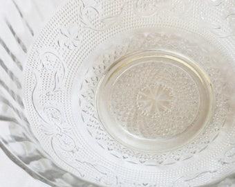KIG Indonesia Trellis Clear Glass Serving Bowl