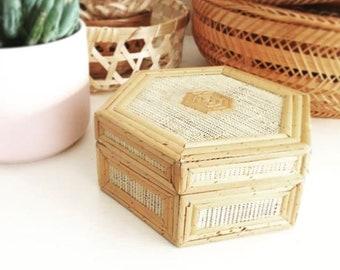 Cute little vintage trinket box