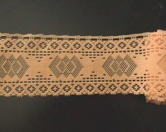 Wide lace salmon color