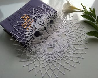 White round doily, White lace doily, Hand crochet doily, Wedding doily, Crochet Table topper, Home decoration