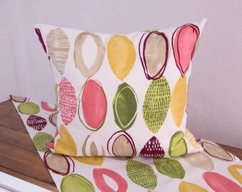 Cushion cover with colorful oval, 50 x 50 cm