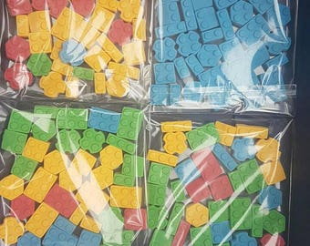 24 pieces if edible building bricks