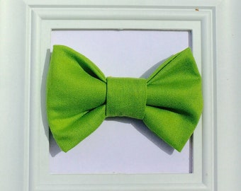 Green Bow tie, baby boy bow tie, Baby bow tie, Kids bow tie, Smash cake bow tie, First birthday bow tie, boys bow tie, lime green bow tie