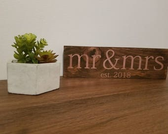 Mr and Mrs Wedding Sign   Wedding Sign   Wooden Wedding Sign   Rustic Wedding Decor   Bridal Shower Gift   Anniversary Gift