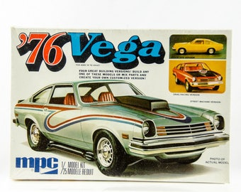 Factory Sealed Vintage MPC 76 Chevy Vega 1/25 Scale Model Car 1-7627