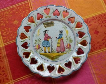 Hand-painted Breton art plate - Vintage French decorative Art Faïence plate