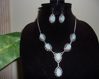 Chalcedony necklace & earring set