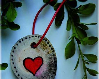 wood keychain, heart, love, red, dots, black, wooden puck