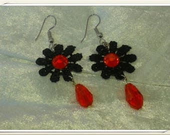 Nice pair of earrings red and Black Lace Gothic baroque