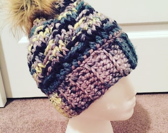 Basket beanie/toque with faux fur pompom for teen/adult